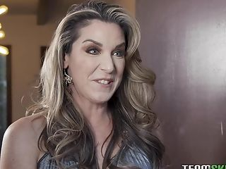 Horny Cougar Kayla Paige Is Fucking Pretty Son-in-law's Gf Eliza Ibarra