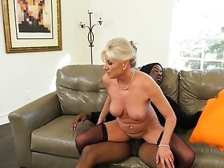 Matures Lady Payton Hall Spreads Her Gams For A Massive Black Dick