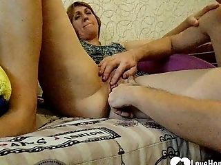 Matures Gets Her Muff Fingerblasted With Passion