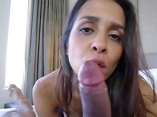 Brazilian Mummy Administers Very First Aid To Stepson In The Porno Vid