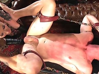 Muscular Man Gets His Caboose Poked By Top Maitresse Madeline Marlowe