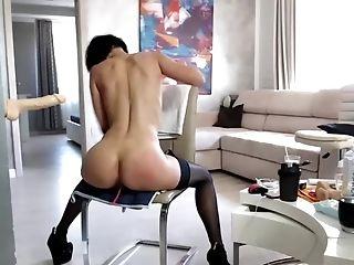 Pretty Hot Brief-haired Model Masturbates To Orgasm On Web Cam