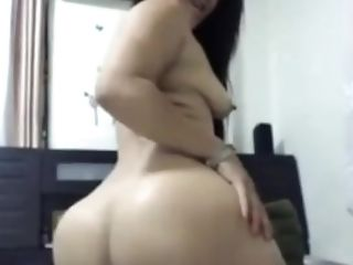 Charming Asian Escort With A Nice Butt