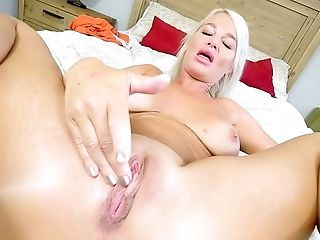 Matures Finger Fucks In Charming Point Of View Scenes Until She Reaches The Orgasm