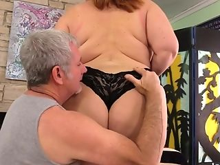 Matures Bbw Lady Lynn Gets Her Beautiful Bod Adored By Old Masseuse