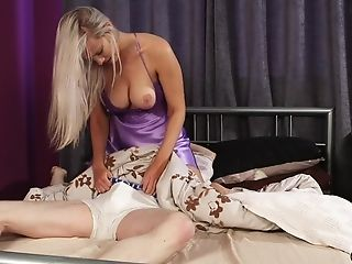 Huge-boobed Blonde Taylor Shay Gives Her Hubby A Deep Throat And Strokes