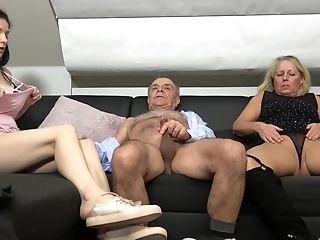 First-timer Ffm Threesome With Dirty Denisa Kubinova & Martina Vachalcova